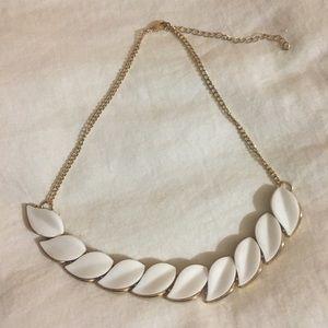 H&M's Necklace